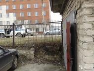 Челябинск: Продам охраняемый кирпичный гараж 18 м² Гараж в ГСК Меридиан №9. Первая линия, третий гараж от въезда. Въезд с улицы Потемкина. Напротив централь