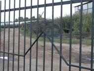 Егорьевск: Готовые секции заборные Реализуем готовые секции заборные. Металлический каркас из профиля 25*25 с заполнением сетки рабицы или прутьями металлическим