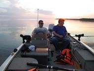 Астрахань: Катер рыболовный Bass Tracker Pro Crappie 175, 2002 года Отлично заточенная  под профессиональную рыбалку алюминиевая клепаная  лодка для мелководья,