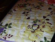 Москва: Двухъярусная детская кровать Продаю кровать для детей, т. к не нужна, а выкинуть жалко. В хорошем состоянии и крепкая, сделана из дерева.   Вместе с к
