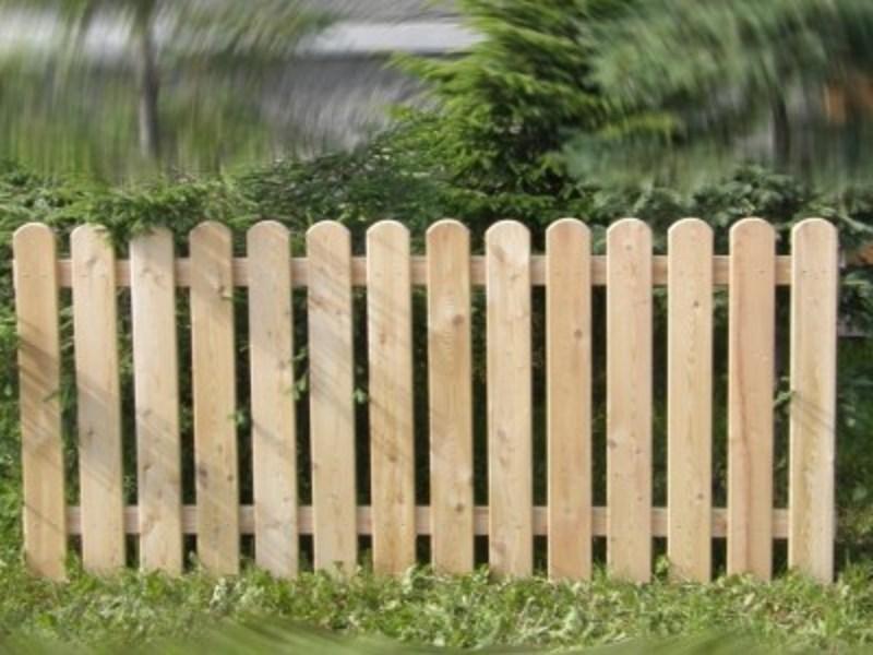 Штакетник деревянный для клумбы