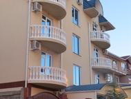 Сочи: Комфортный отдых на берегу моря Сдам комфортные номера в чистом, уютном гостевом доме. До моря 5 минут. Самый лучший пляж, песок, мелкая галька. Рядом